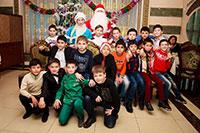 Дед Мороз и Снегурочка в школе