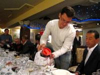 Дмитрий Видманов предлагает домашнее вино собственного изготовления