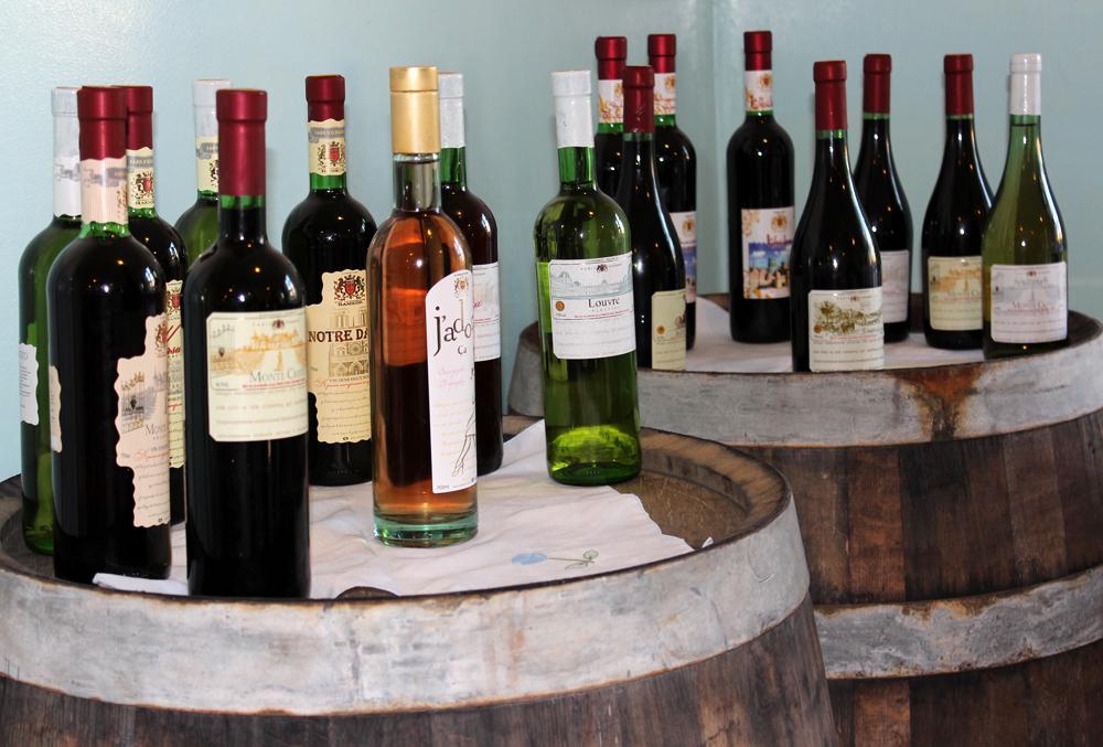 Ассортимент вин - 12 наименований