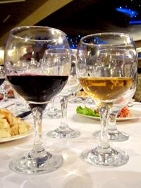 Дегустация домашнего вина в ресторане Ипак Йули